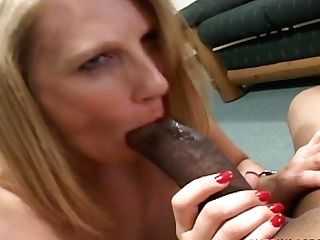 Wifey Gets Anal Intercourse From Immense Black Meatpipe