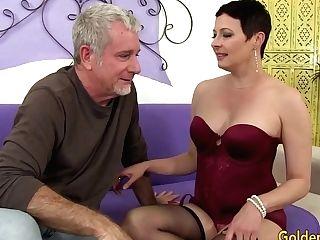Horny Matures Fuckslut Kali Karinena Tempts A Dude With A Big Dick
