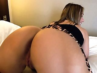 Salami-hardening Upskirt Solo Display Performed By Uk Bootyful...